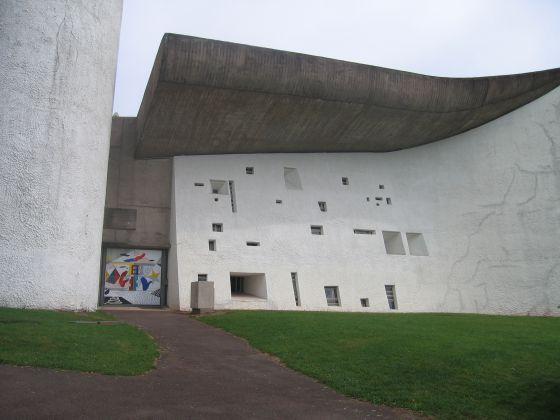 Capilla de  Notre Dame du Hautm, obra de Le Corbusier, en Ronchamp.