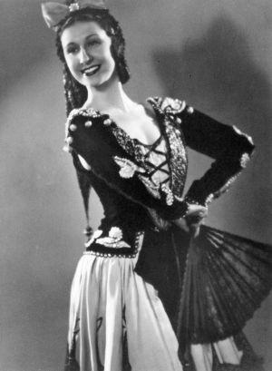 María de Ávila interpretando las 'Goyescas' de Granados en el Liceo de Barcelona, hacia 1940.