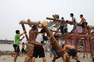 Construcción de la escuela de Hualin (China) con estructuras de cartón. 2008