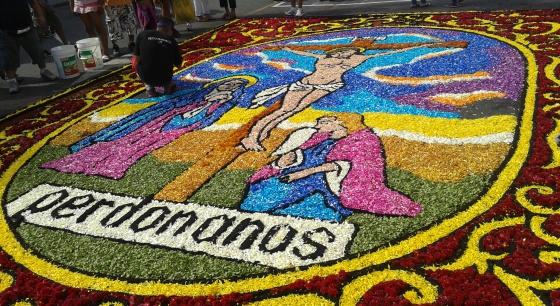 Alfombra de flores en los v a crucis peruanos cultura for Que significa alfombra