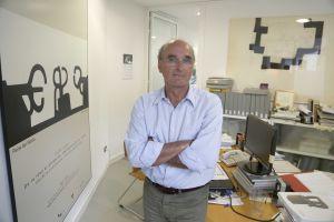 Ignacio Chillida, hijo del artista y comisario de la muestra, en su despacho del Museo Chillida-Leku.