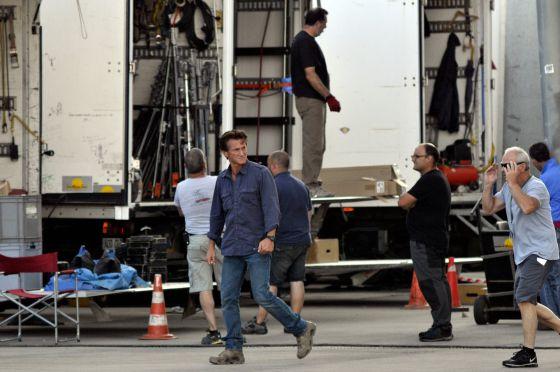 Sean Penn, en julio del año pasado durante el rodaje en el Fórum de Barcelona de 'The gunman'.
