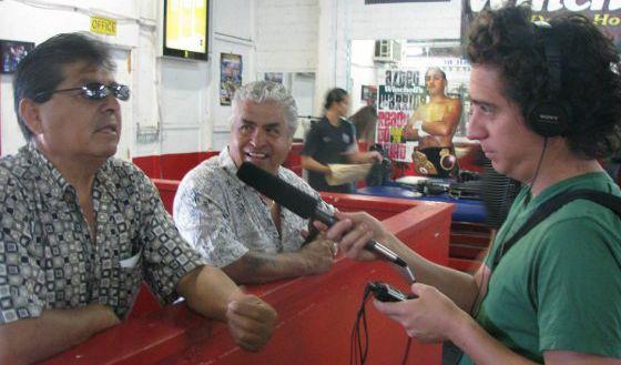 El novelista Daniel Alarcón, durante una de las entrevistas.