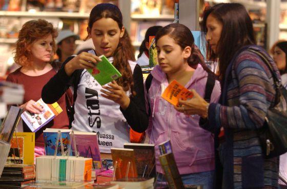 Estudiantes en la Feria del Libro de Buenos Aires.