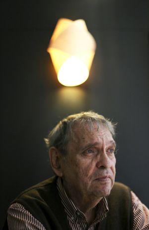 """Rafael Cadenas: """"La poesía es poderosa e insignificante"""""""