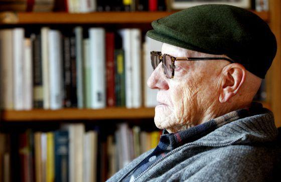 Muere Ramiro Pinilla, patriarca de las letras vascas y españolas 1414064577_477217_1414064676_noticia_normal
