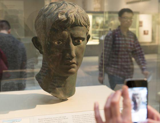 Busto de Augusto encontrado en Sudán y expuesto en el Museo Británico.
