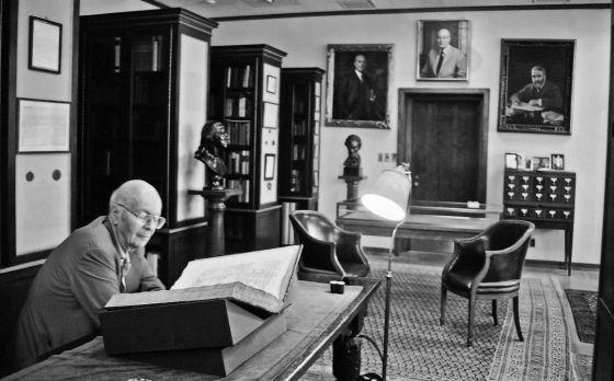 Princeton recibe un tesoro: las seis primeras biblias de Gutenberg
