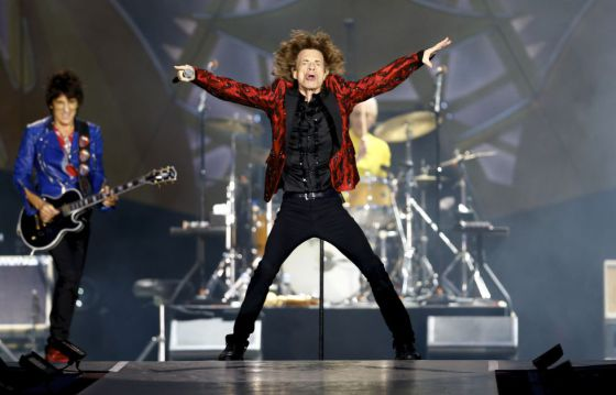 Mick Jagger (centro), en un momento del concierto de los Rolling Stones en Madrid en junio de 2014.