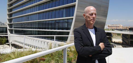 Jacques Herzog, en la nueva sede del BBVA que ha diseñado en Madrid.