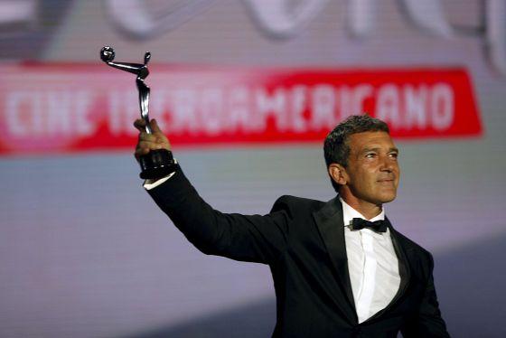 http://www.antoniobanderas.me/discurso-integro-premios-platino/