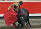 Las figuras insisten en triunfar con unos toros sin trapío