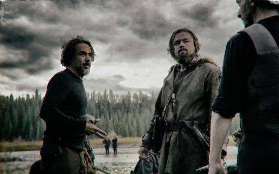 Alejandro González Iñárritu y Leonardo DiCaprio en el rodaje en Calgary de The Revenant
