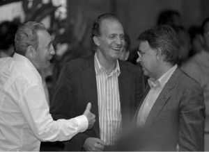 Fidel Castro, el rey Juan Carlos y Felipe González en la Cumbre de Cartagena de Indias de 1994.