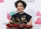 Natalia Lafourcade conquista los Grammy Latinos con 'Hasta la raíz'
