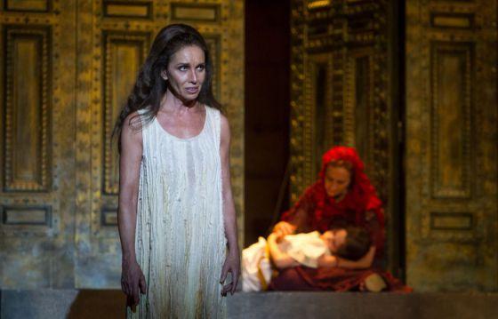 La actriz Ana Belén en la obra 'Medea'