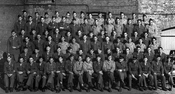 Miembros de la compañía conocida como 'La Nueve', formada casi en su totalidad por españoles, en Inglaterra, en junio de 1944.