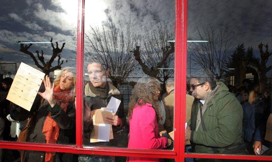 Ambiente electoral en el Colegio Bernadette de Aravaca, en Madrid, el 20 de diciembre de 2015.
