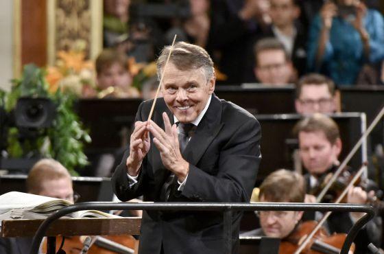 El letón Mariss Jansons, ayer, durante el Concierto de Año Nuevo en Viena.