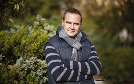 Raul Tola, escritor.
