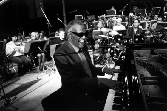 Ray Charles, durante un concierto.