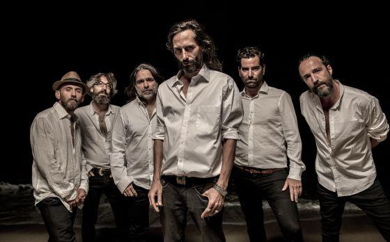El grupo de música Santos.