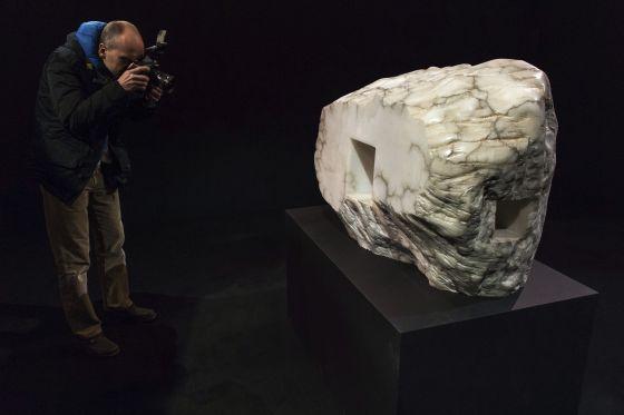 'Elogio de la luz', una de las esculturas de Eduardo Chillida presentes en Wroclaw y procedentes de Chillida-Leku.