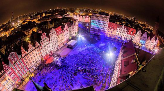 La Plaza Mayor de Wroclaw, durante los actos inaugurales de la capitalidad cultural europea.