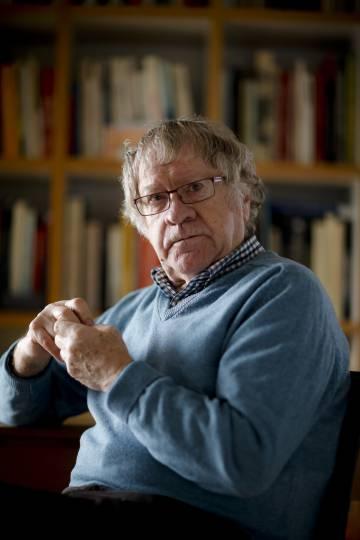 Ian Gibson, fotografiado la semana pasada en su casa de Madrid.