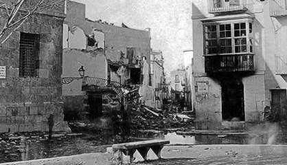 Edificios de Cartagena destruidos por un bombardeo en 1874.