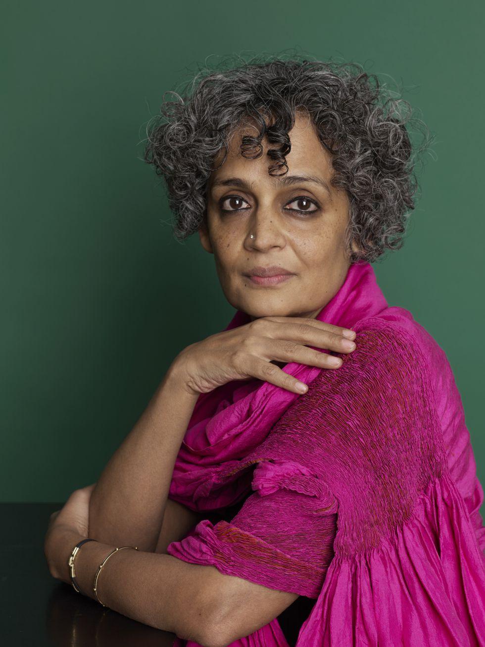 """Arundhati Roy: """"El capitalismo fracasará como el comunismo"""""""