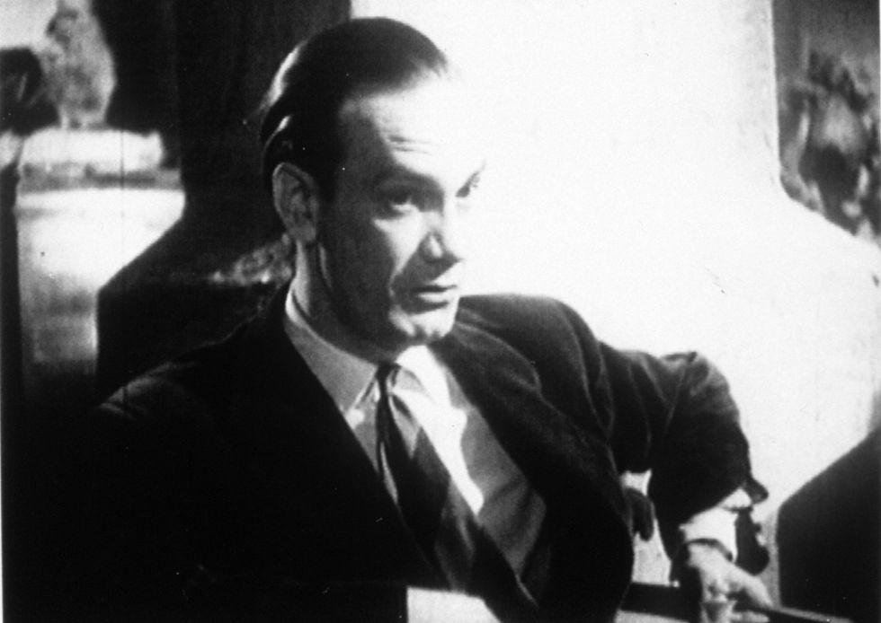 Camilo José Cela, protagonista de la película 'El sotano' en 1949.