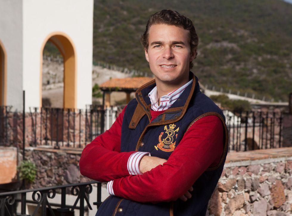 Pablo Álvarez Saiz 'Palillo' en la ganadería de Barralva
