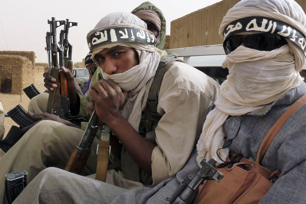 Milicianos del grupo islámico salafista Ansar al Din, en el noreste de Mali, en 2012.
