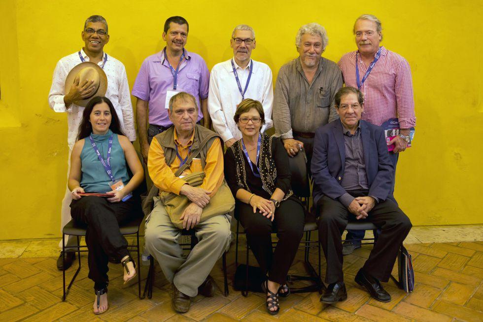 Los poetas participantes en el Hay Festival.