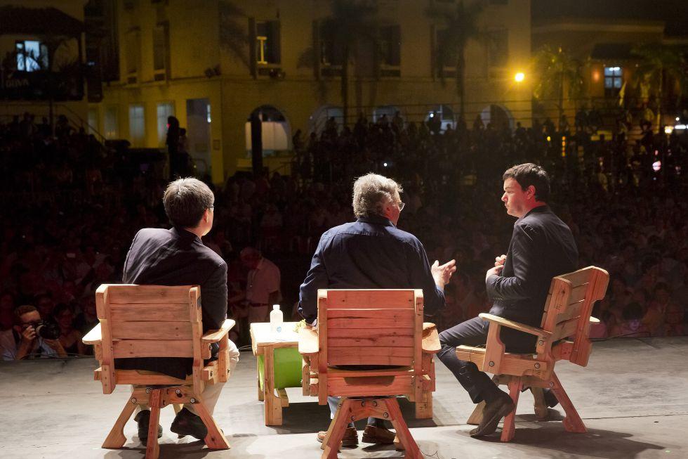 Desde la izquierda, Ha-Joon Chang, Moisés Naím y Thomas Piketty