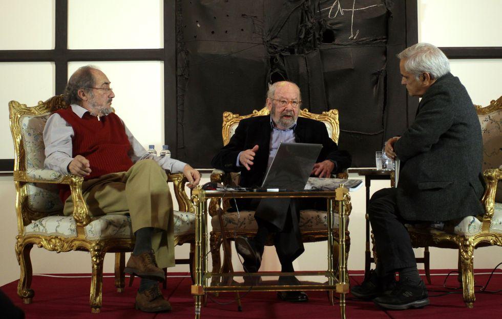 José Luis Fajardo, Caballero Bonald y Juan Cruz (i-d).
