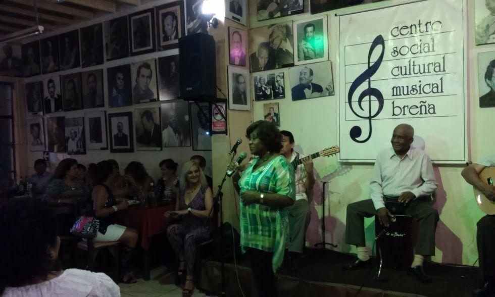 Rosa Guzmán en el Centro Social Musical Breña