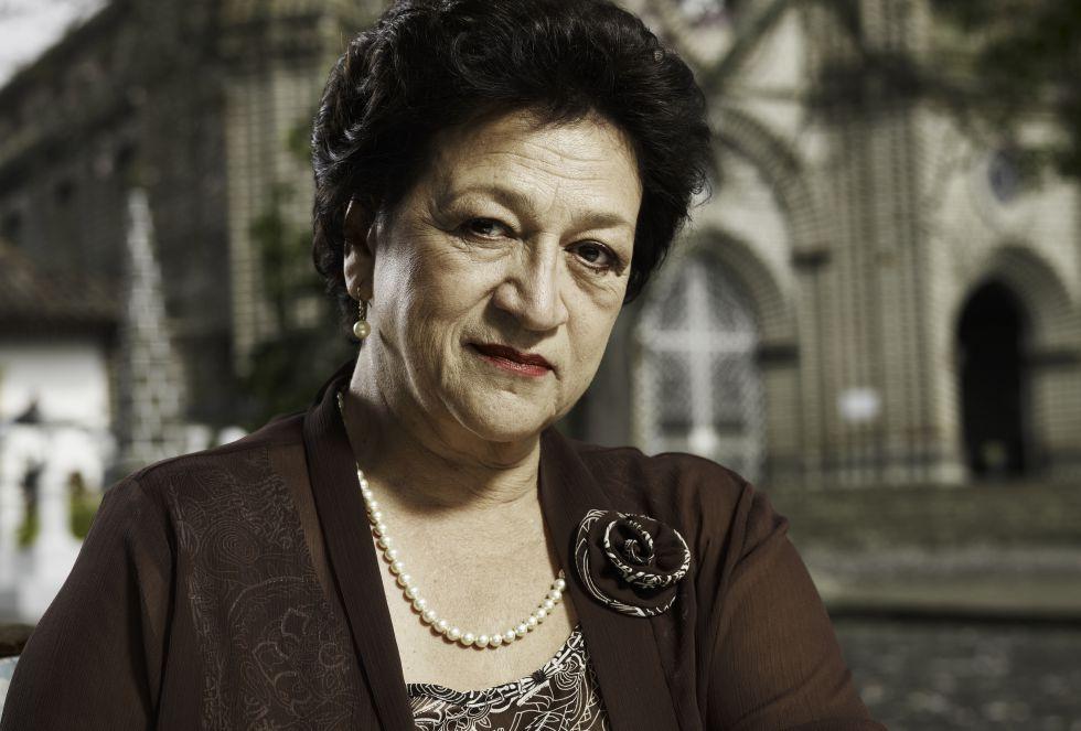 Vicky Hernández, en 2011, en una foto promocional de la novela 'La bruja'.
