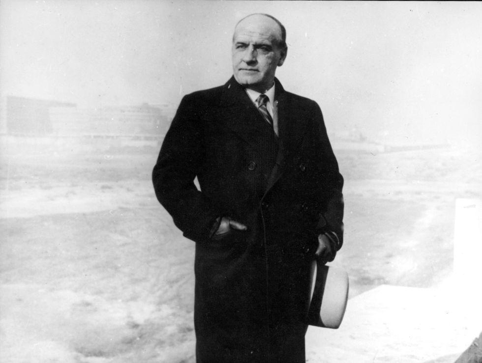 El filósofo José Ortega y Gasset, en la Ciudad Universitaria de Madrid, en 1934.