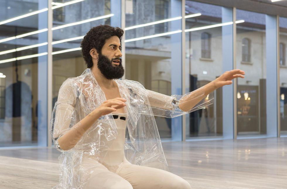 La evolución humana a través del arte de un androide