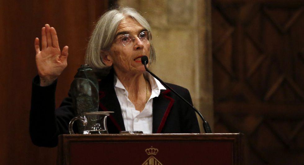Donna Leon da su discurso tras recoger el Premio Pepe Carvalho.