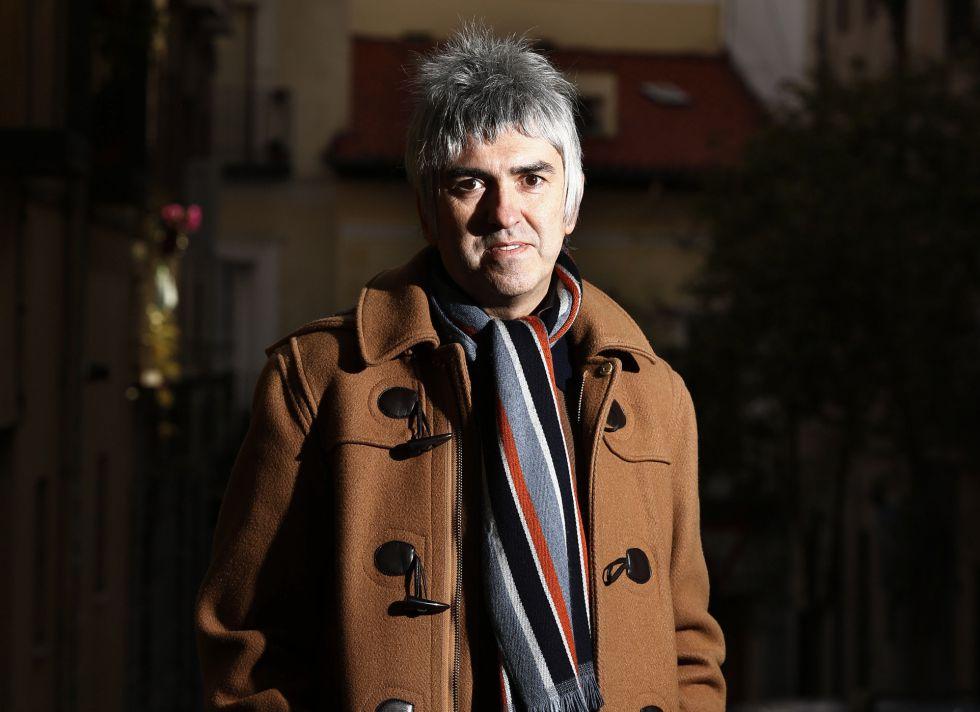 Álex Cooper, cantante, posa en el barrio de Malasaña, de Madrid.