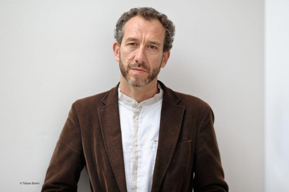 El escritor Ricardo Menéndez Salmón, ganador del Premio Biblioteca Breve.