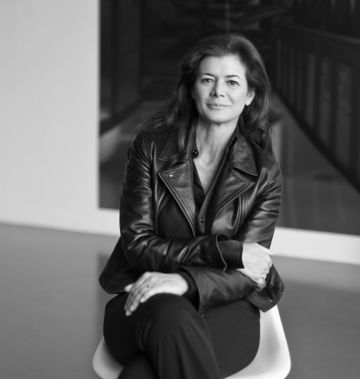 La editora de Ivory Press Elena Ochoa Foster.