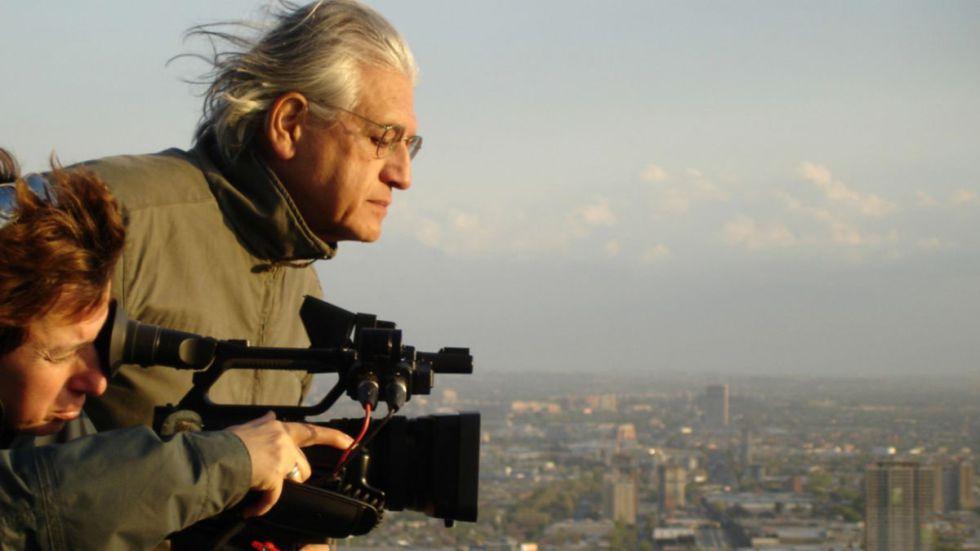 El cineasta chileno Patricio Guzmán, durante el rodaje de la película.