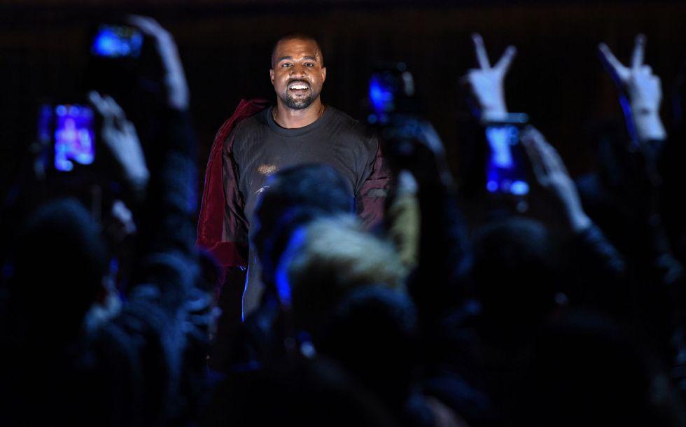 Kanye West durante un concierto.