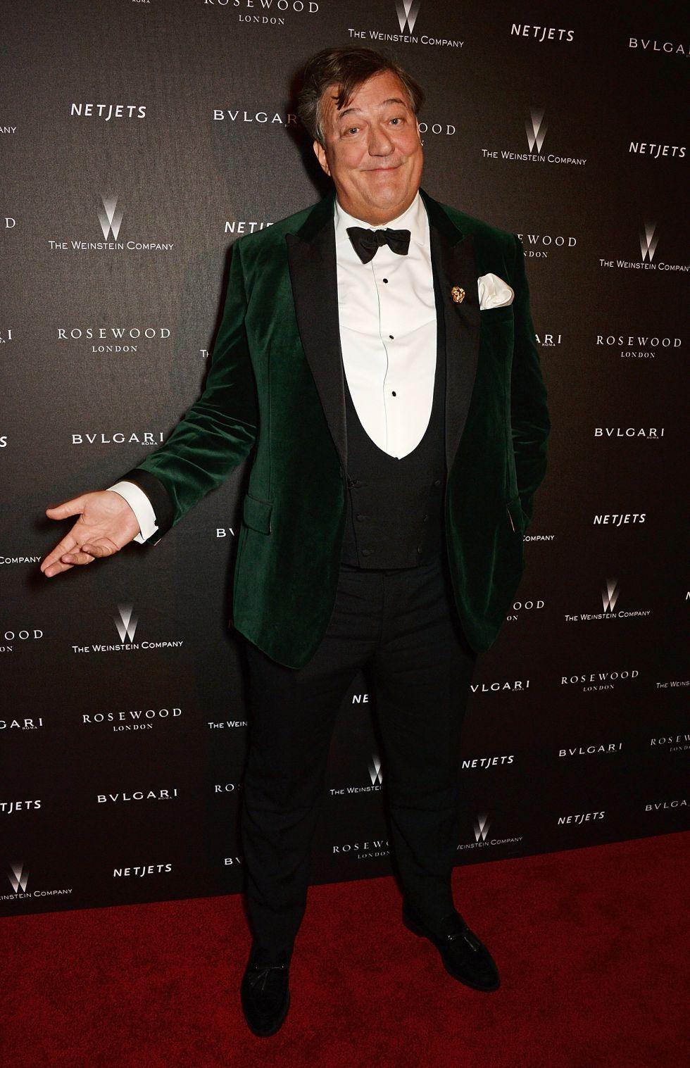 El actor  Stephen Fry momentos antes de presentar los Premios Bafta, en Londres.