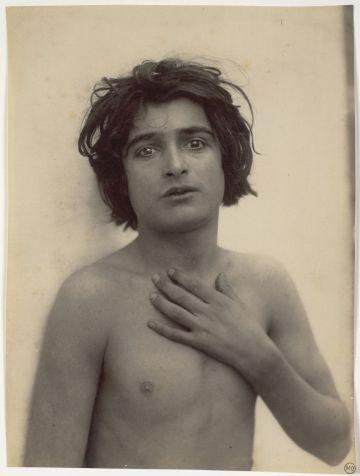 'Jeune garçon', Wilhelm von Gloeden (1900).