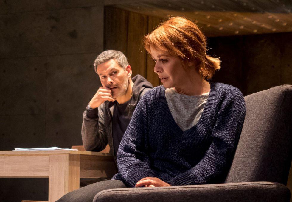Roberto Enríquez y María Adánez en la obra 'Mi pequeño poni', de Paco Bezerra.